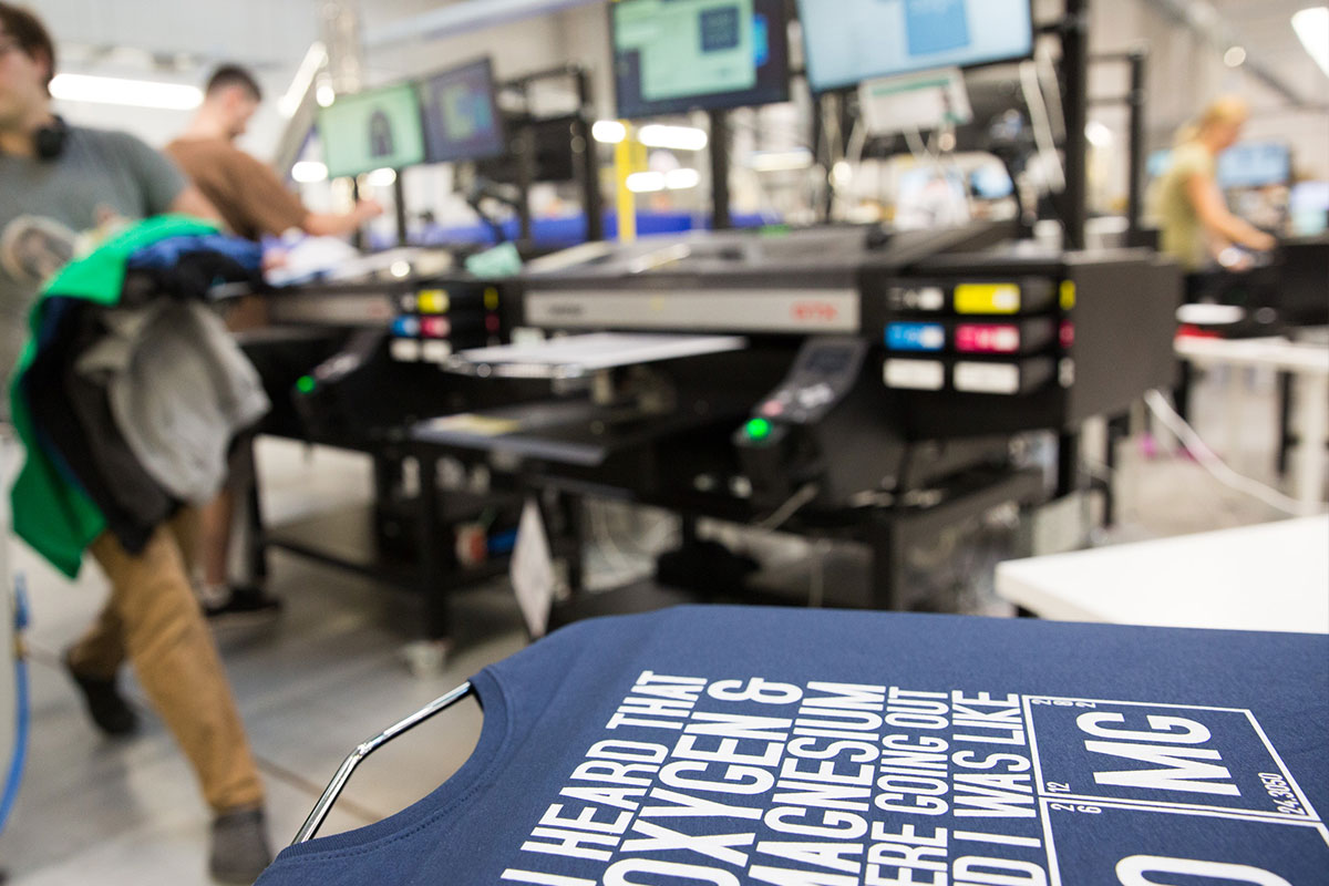 Direct to garment (DTG) printing t-shirts and tops the uk.
