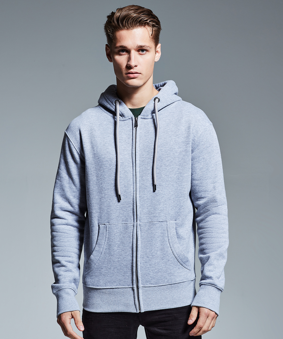 Anthem organic cotton and recycled polyester hoodie (AM002).