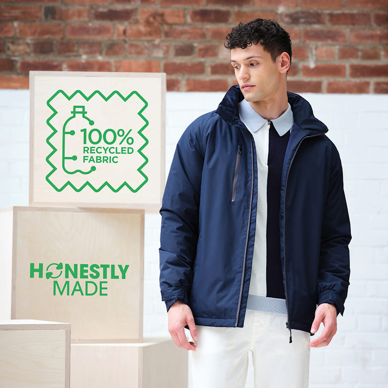 A man wearing a Regatta Honestly Made TRA207 Recycled Insulated Jacket.